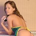 Czech hottie gets horny in her bedroom