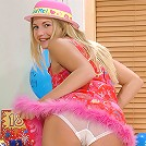 Party girl Jana wants to play with you