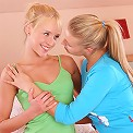Hanna and Wendy - Blonde cuties lick and dildo quims