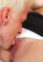 Beautiful hottie offers her hot snatch for nasty fucking